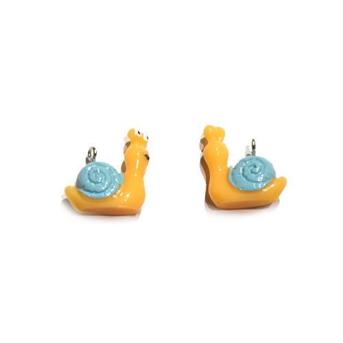 Kunststoffanhänger, Schnecke, Gelbbraun, 21x20mm, 1 Stück