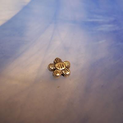 Metallperle, Sonnenblume, Silberfarben, 10 Stück