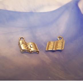 Metallanhänger, Buch, ABC, Silberfarben, 1 Stück