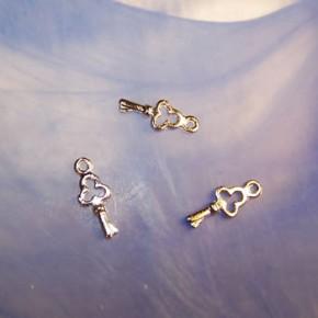 Metallanhänger, Schlüssel, Silberfarben, 1 Stück